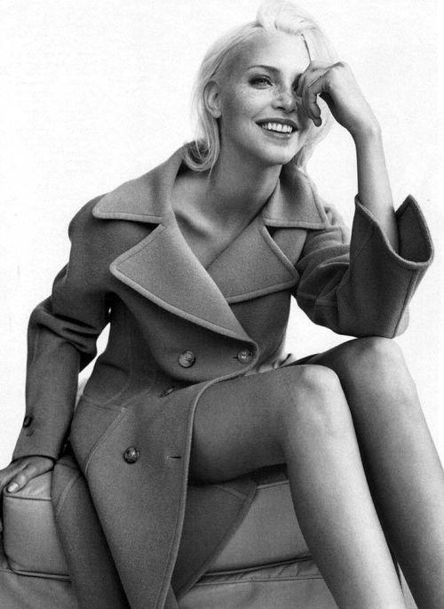 4_carine_roitfeld_neo_moderne_french_glamour_1994_nadja_auermann_mario_testino